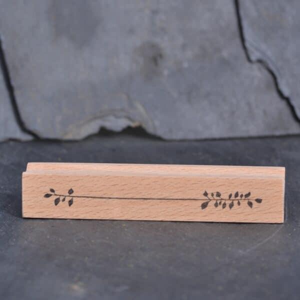 Stempels mit Acryl-Klarlack bei e-typisch