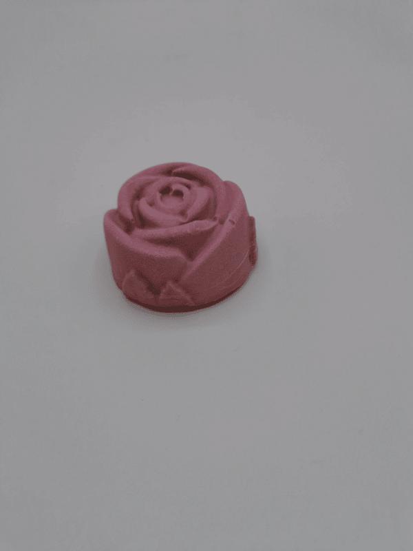 Rosen Soleseife • 4,55 € / 100 g • 5,01 € / 110 g • 1