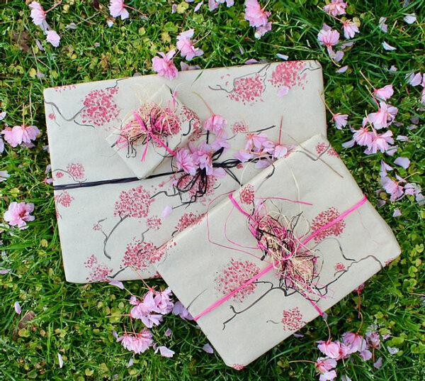 Geschenkpapierbogen aus Gras - Design Kirschblüten 100x70cm 3