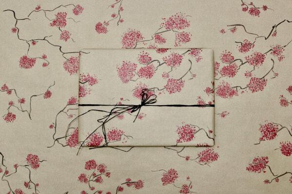 Geschenkpapierbogen aus Gras - Design Kirschblüten 100x70cm 1