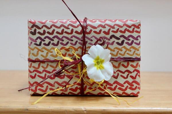 Geschenkpapierbogen aus Gras - Design Zopfmuster 70x50cm 1