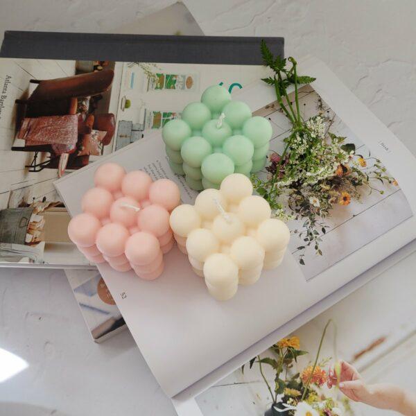 Die Elate & Co Bubble Candle ist perfekt für jedes Interieur geeignet.